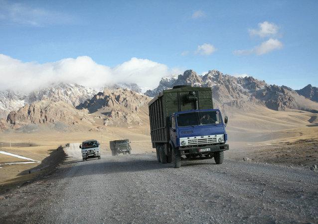 中国与吉尔吉斯斯坦国境接壤