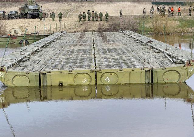 """俄将邀请印中塞三国参加 """"开放水域-2015"""" 国际军演"""