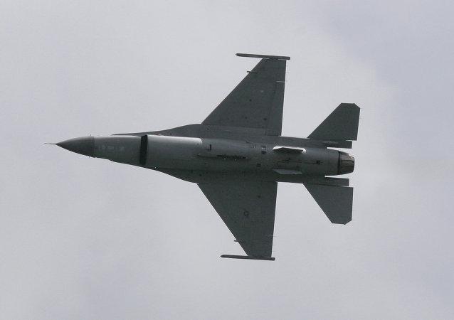 在泰国坠毁的战机飞行员遇难