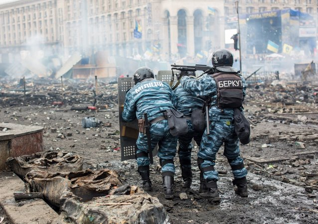 乌前内务部长:乌政府无意调查迈丹广场枪击事件