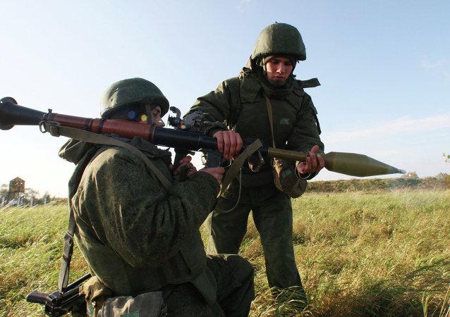 俄军超300个兵团将接受检查