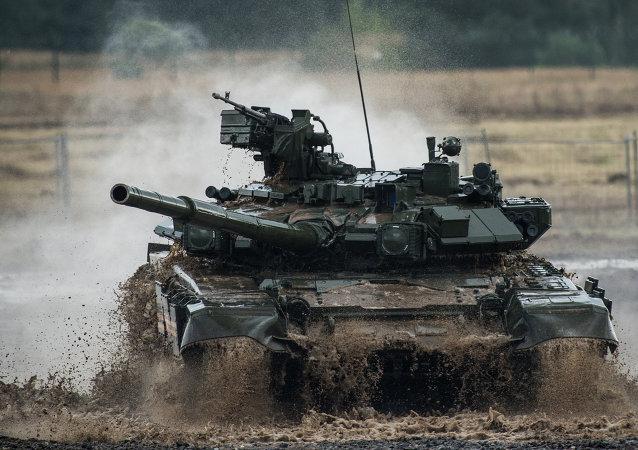 俄制T-90型坦克