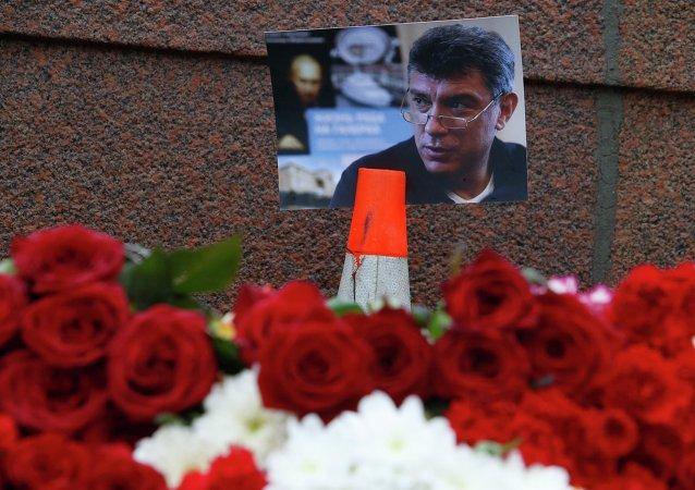 普京:俄相关部门对涅姆佐夫案的调查迅速高效