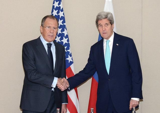 俄外交部:拉夫罗夫在撤军后与克里讨论叙利亚和谈前景