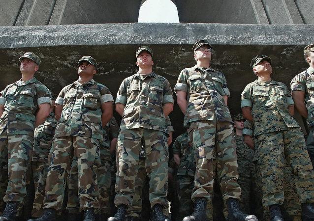 美国军事教练员