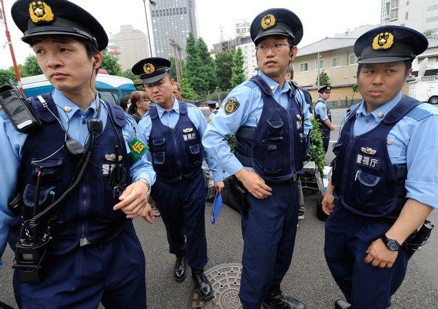 日本一男子劫持店员要酒被警方逮捕