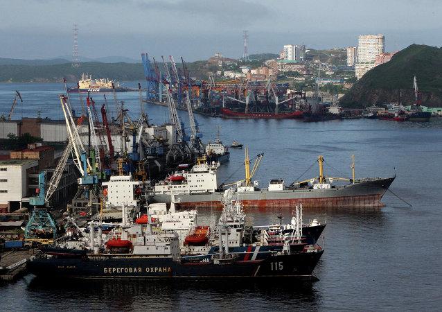 在自由港符拉迪沃斯托克计划实行72小时免签证制度
