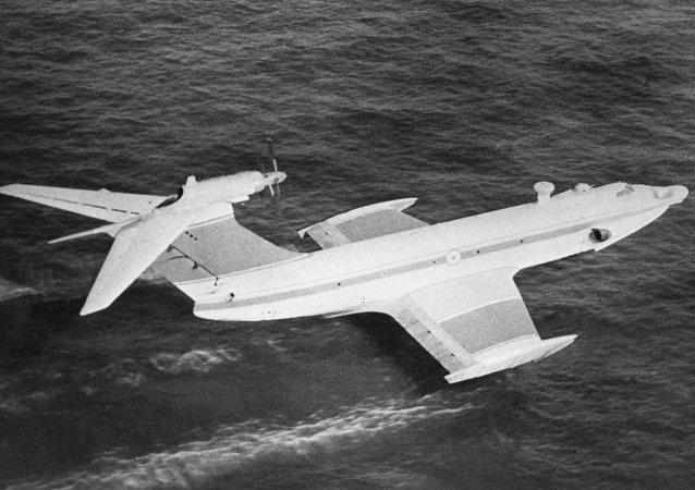 """俄罗斯""""小鹰""""号地效飞行器。"""