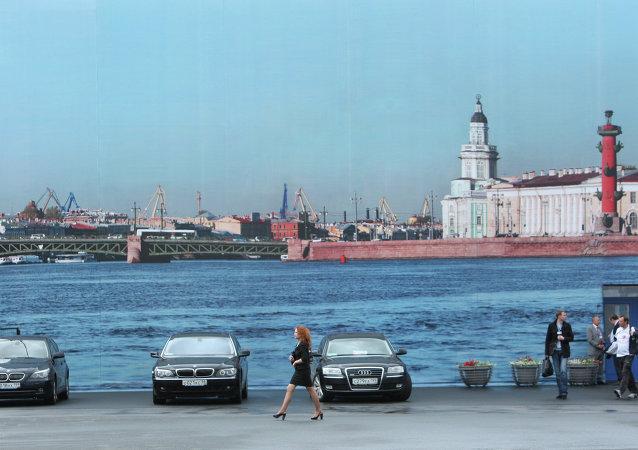 圣彼得堡市长称与德国戴姆勒汽车集团继续就在该市设分厂谈判