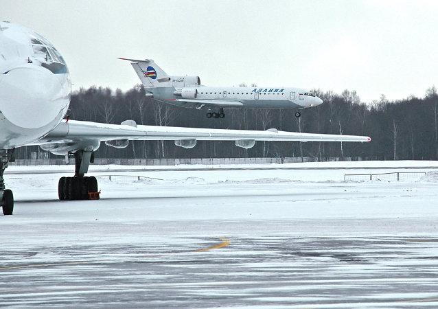 雅克-42飞机