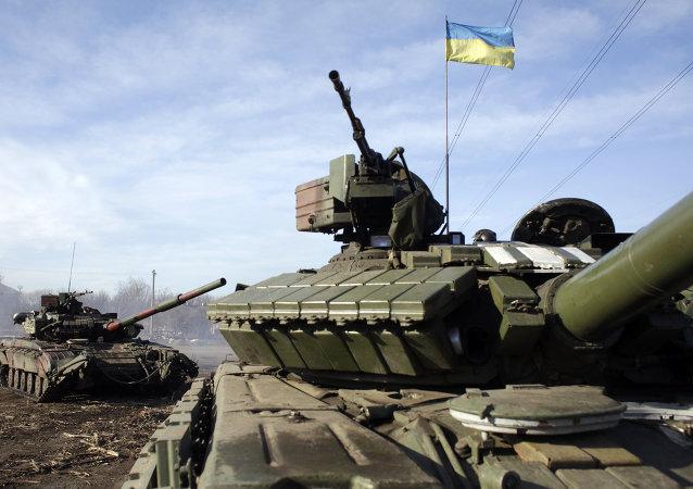 乌克兰国防部:2016年国防预算将升至国内生产总值5%