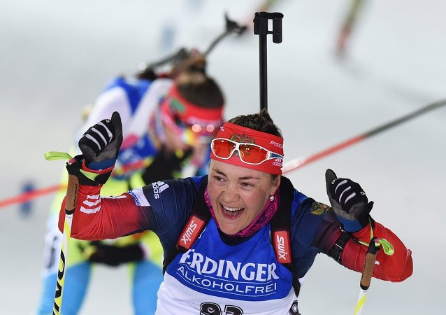 俄罗斯选手在芬兰冬季两项世锦赛上获得金牌