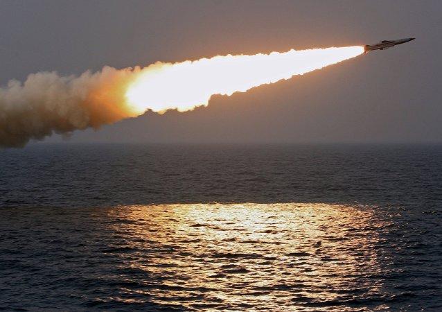媒体:朝鲜导弹飞行150-160公里并在空中爆炸