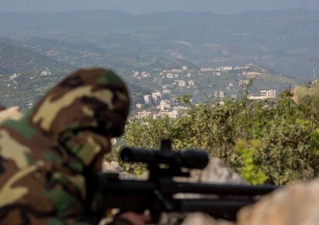 叙利亚空军摧毁戈兰高地的恐怖分子营地 死伤120人