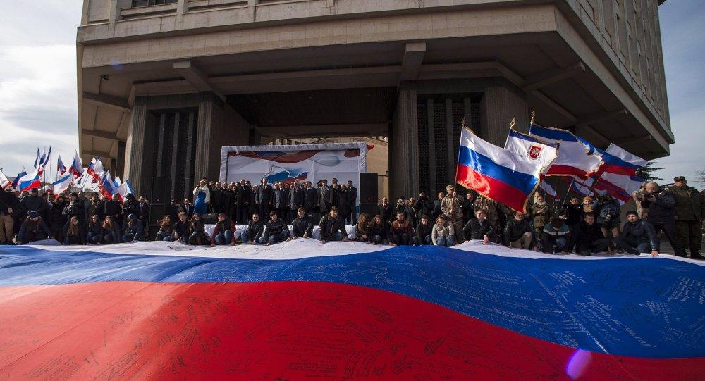 普京:克里米亚回归俄罗斯过程中未出一点差错