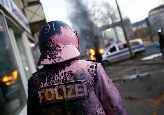 法兰克福爆发反对欧洲央行抗议活动已造成70名警察受伤
