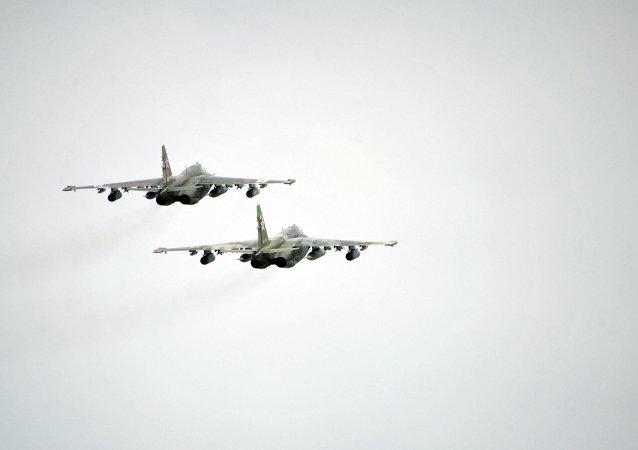 苏25从吉尔吉斯向塔吉克斯坦转场 开始联合演习