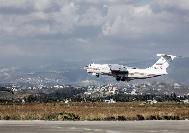 俄飞机从叙利亚疏散59人