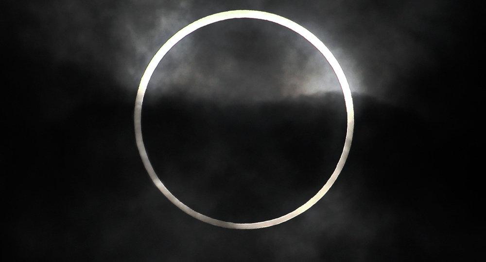 带有月亮的qq头像图片