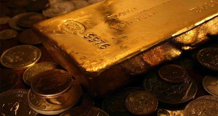 中国男子试图将3公斤黄金藏在鞋底偷运出俄罗斯被拘留