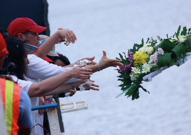 在亚航飞机失事的爪哇海区域进行了纪念活动