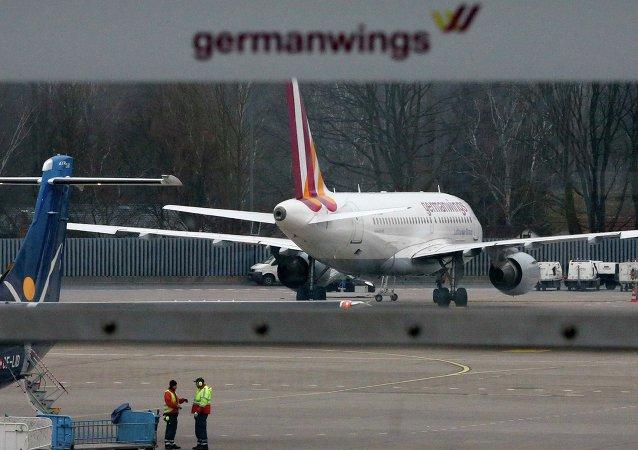 据初步统计A320法国坠毁造成150人遇难