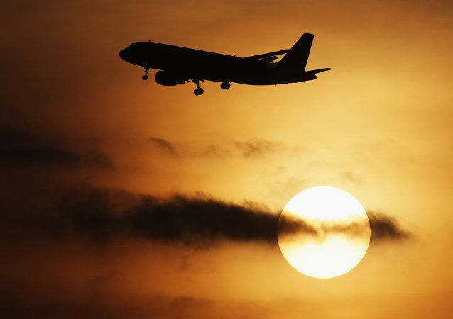 荷航阿姆斯特丹飞北京航班副驾驶被乘客刺伤