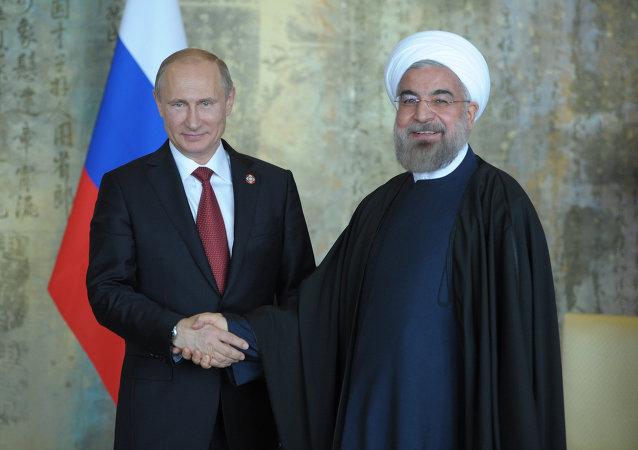 俄伊两国总统有意拓展核能领域合作