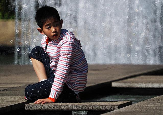 儿基会调查:亚太地区因虐待儿童每年蒙受2090亿美元的经济损失