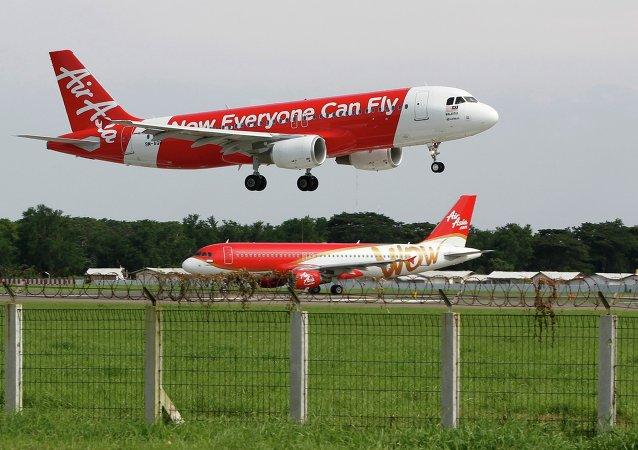 2014年12月亚航客机失事原因是飞机故障和机组人员操作不当