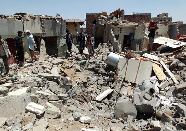电视台:阿拉伯联军空袭也门致30死25伤