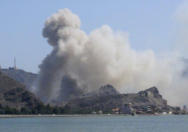 媒体:数十名外国士兵登陆也门亚丁港