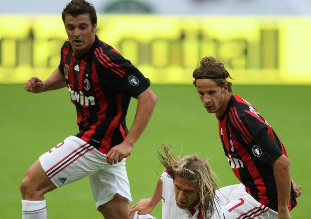 贝卢斯科尼:米兰足球俱乐部75%的股权将卖给中国财团