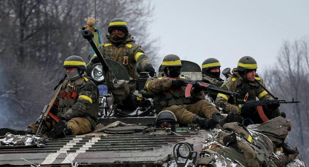 烏克蘭軍隊將重型武器移近分界線方向