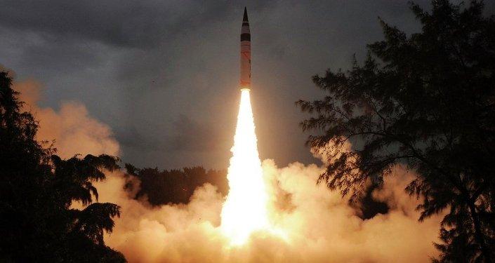 """印度成功试射射程超400千米的""""布拉莫斯"""