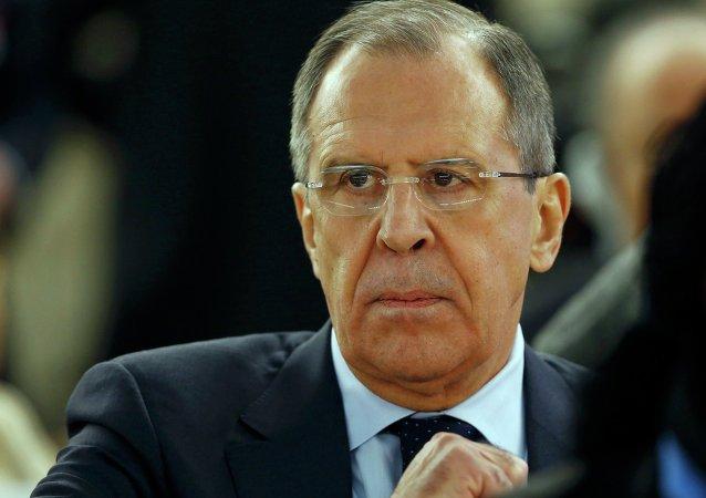 俄外长:俄方不能容许欧盟的反偷渡行动授权中出现歧义