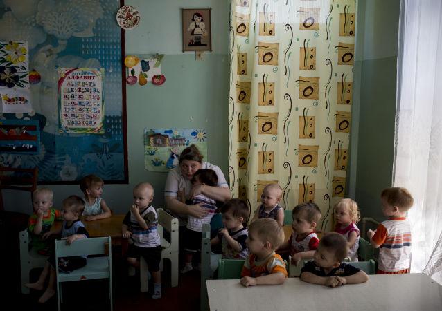俄调查委员会:2000多名儿童沦为顿巴斯战争罪受害者
