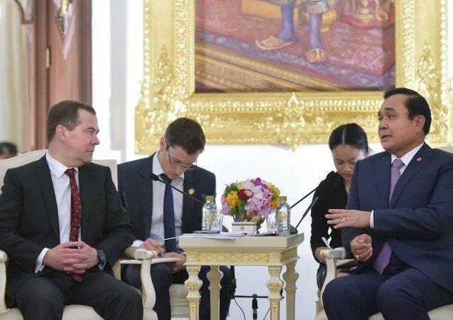 Переговоры премьер-министров России и Таиланда начались в Бангкоке