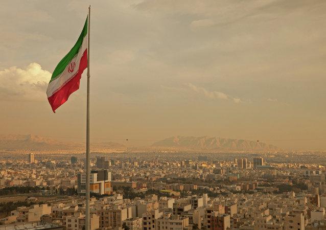 伊朗800 家门店因销售非传统外套被关闭