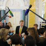 俄總統新聞秘書:克宮仔細分析後將確定對美國制裁法案的態度