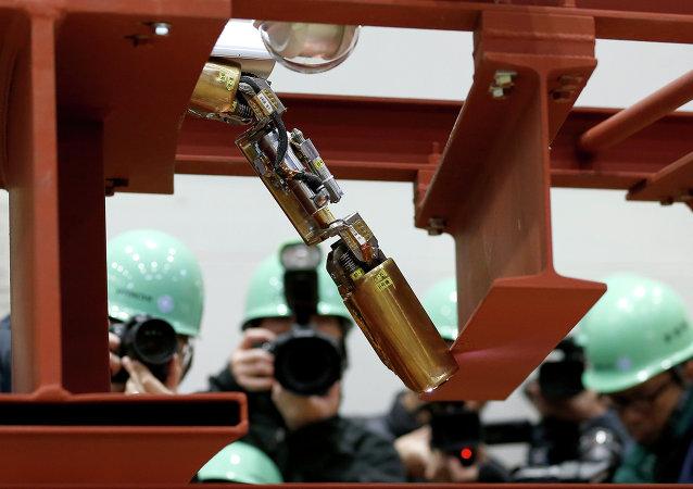 """日本内阁:""""福岛-2""""核电站核废料池的冷却系统停止运行后没有发生辐射泄露的情况"""