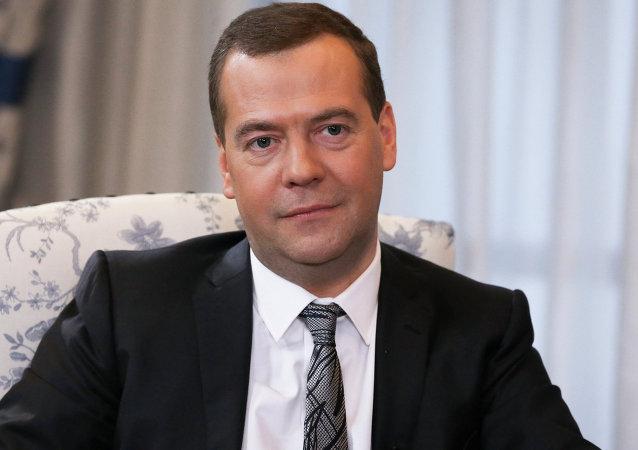 俄总理问候亚太地区国家青年运动会参与者