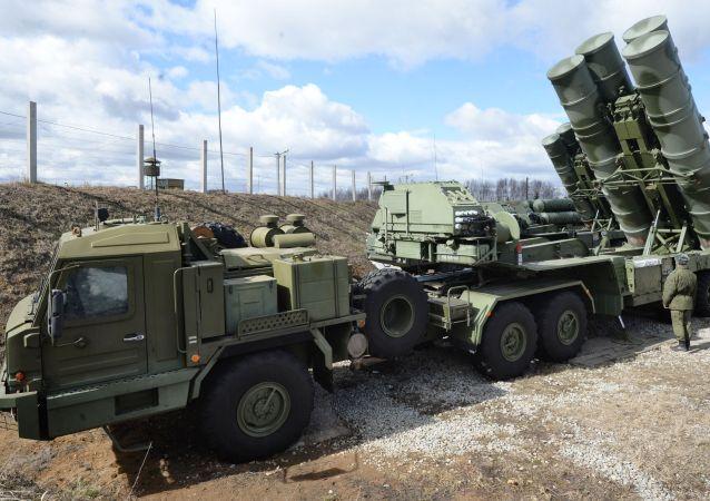 俄国防部:S-400防空系统已在俄驻叙利亚基地进入战斗值班