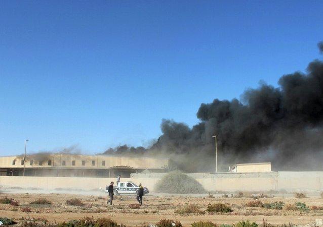 对在利比亚仓库的空袭/资料图片/