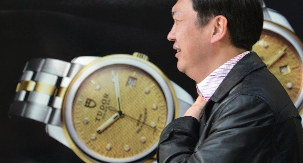 民调:2015年中国有9000位百万富翁选择移民