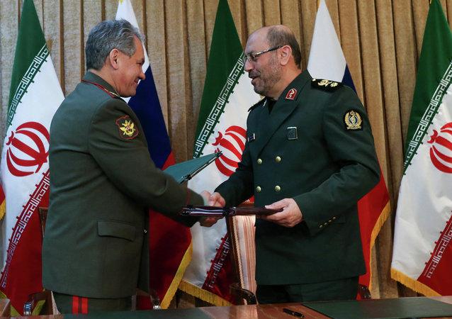 俄罗斯国防部长谢尔盖•绍伊古和伊朗国防部长侯赛因•达赫甘