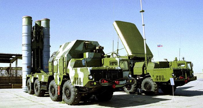俄国防部:俄东部军区军人在哈巴罗夫斯克边疆区举行S-300操作演习