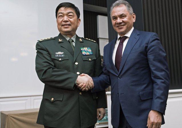 俄罗斯国防部长绍伊古和中国国防部长常万全