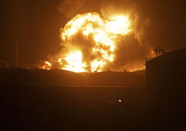江苏爆炸事故造成2人遇难7人被困