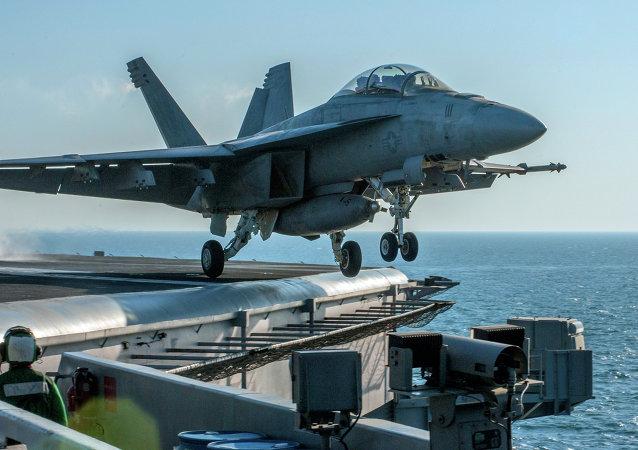 """俄国防部:美国正为推动其在中东的利益掩护""""伊斯兰国""""武装分子"""